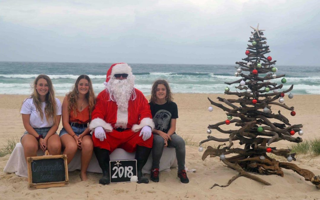 Santa photos on Coolangatta beach